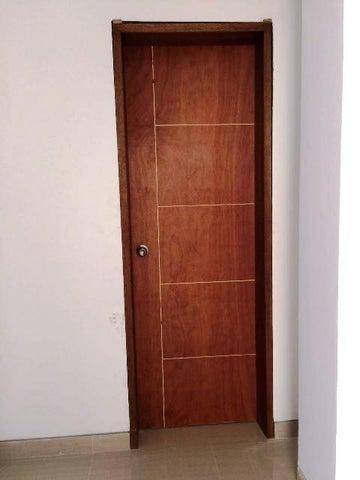 Apartamento Miranda>Higuerote>Puerto Encantado - Venta:94.501.000.000 Precio Referencial - codigo: 16-8632