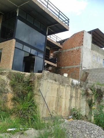 Casa Distrito Metropolitano>Caracas>Caicaguana - Venta:15.791.000.000 Bolivares - codigo: 16-8664