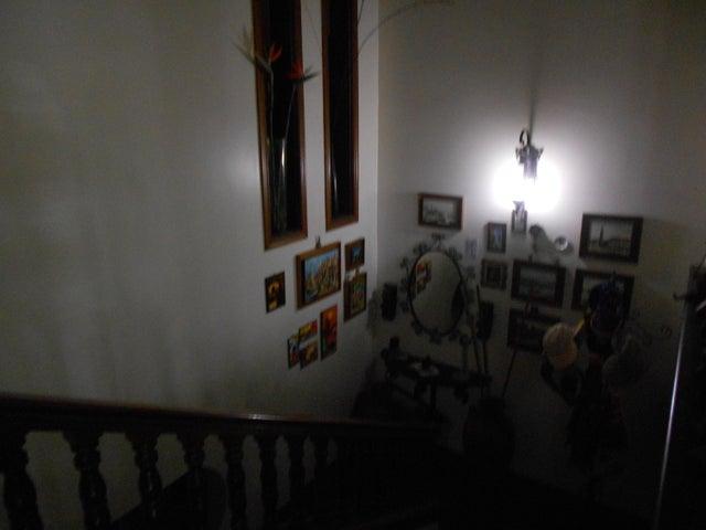 Casa Distrito Metropolitano>Caracas>La Tahona - Venta:250.000 US Dollar - codigo: 16-8816