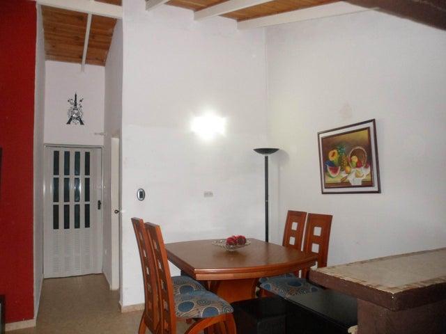 Casa Carabobo>Valencia>Flor Amarillo - Venta:19.000.000 Bolivares - codigo: 16-8684