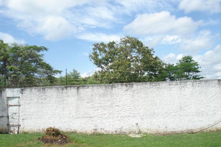 Casa Miranda>Higuerote>Club Campestre El Paraiso - Venta:9.620.000.000 Precio Referencial - codigo: 16-8825