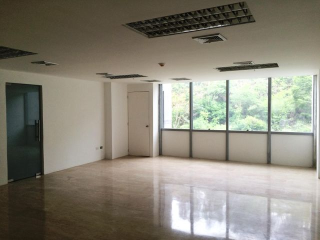Oficina Distrito Metropolitano>Caracas>Macaracuay - Venta:93.182.000.000 Precio Referencial - codigo: 16-8760