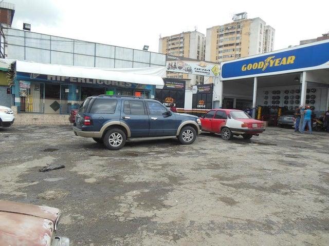 Edificio Miranda>Charallave>Centro de Charallave - Venta:1.266.256.000.000 Bolivares - codigo: 16-9216