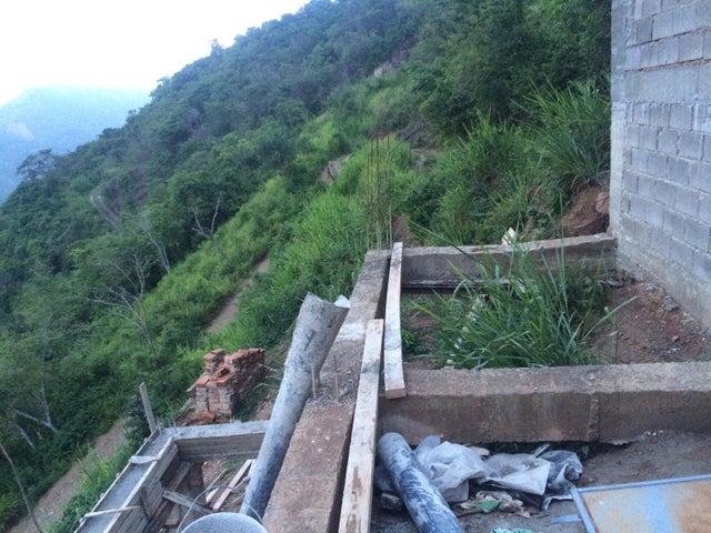 Terreno Distrito Metropolitano>Caracas>Bosques de la Lagunita - Venta:18.618.000.000 Bolivares - codigo: 16-8938