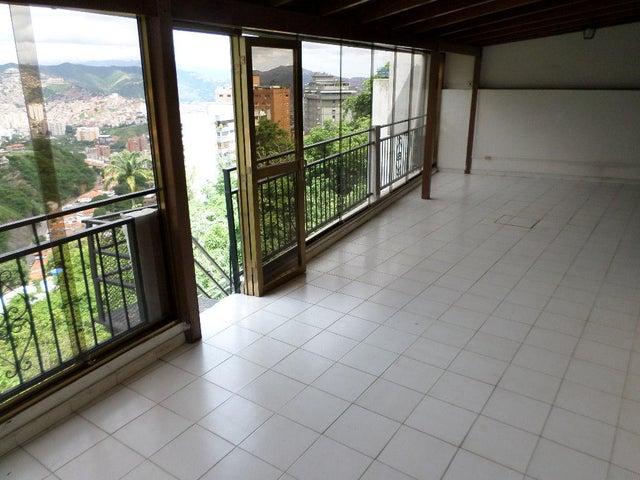 Casa Distrito Metropolitano>Caracas>Colinas de Santa Monica - Venta:90.234.000.000 Bolivares - codigo: 16-8827