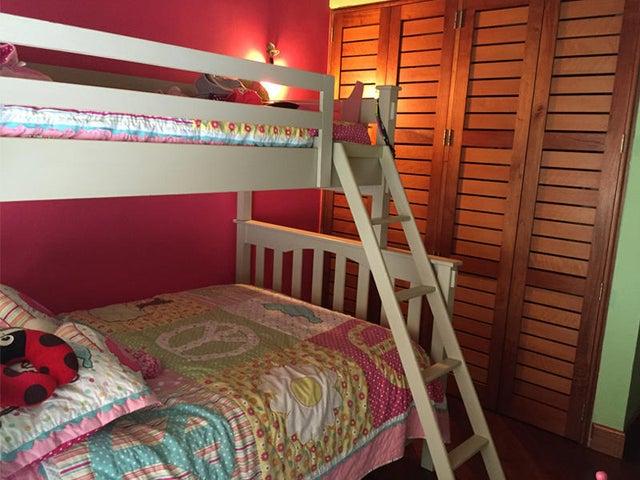 Casa Distrito Metropolitano>Caracas>Alto Hatillo - Venta:1.080.327.000.000 Precio Referencial - codigo: 16-8915