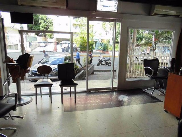 Local Comercial Distrito Metropolitano>Caracas>Los Palos Grandes - Venta:65.801.000.000 Bolivares - codigo: 16-8857