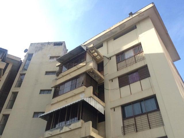 Apartamento Distrito Metropolitano>Caracas>Lomas de Las Mercedes - Venta:14.965.000.000 Bolivares Fuertes - codigo: 16-8883