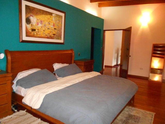 Casa Distrito Metropolitano>Caracas>El Cafetal - Venta:320.674.000.000 Precio Referencial - codigo: 16-8925