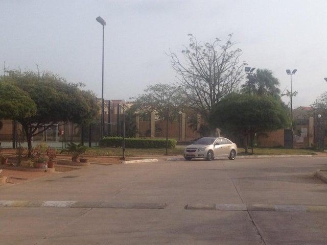 Townhouse Zulia>Maracaibo>Avenida Milagro Norte - Venta:45.804.000.000 Precio Referencial - codigo: 16-6951
