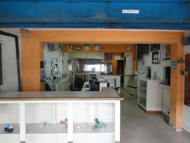 Local Comercial Distrito Metropolitano>Caracas>Puente Hierro - Venta:477.172.000.000 Precio Referencial - codigo: 16-8939