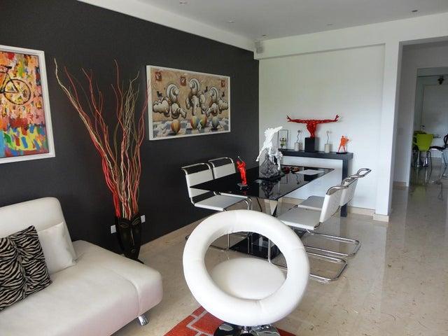 Apartamento Distrito Metropolitano>Caracas>Villa Nueva Hatillo - Venta:36.916.000.000 Bolivares Fuertes - codigo: 16-8950
