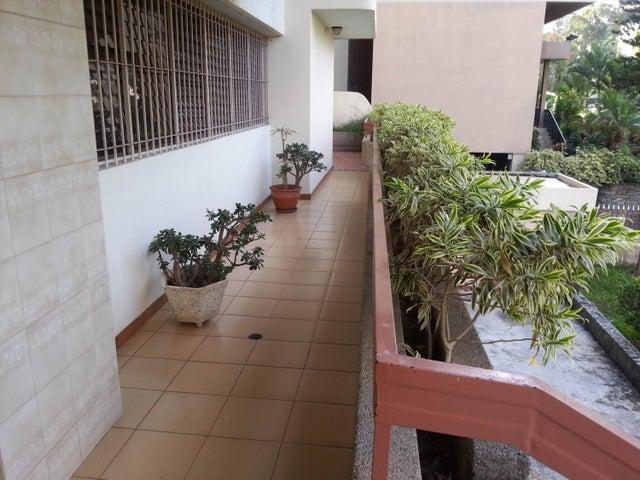 Apartamento Distrito Metropolitano>Caracas>Terrazas del Avila - Venta:160.337.000.000 Precio Referencial - codigo: 16-8944