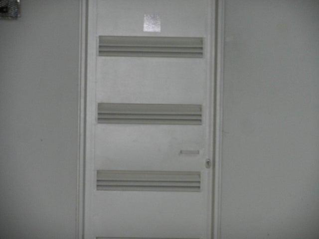 Apartamento Distrito Metropolitano>Caracas>Solar del Hatillo - Venta:34.615.000.000 Bolivares Fuertes - codigo: 16-8990
