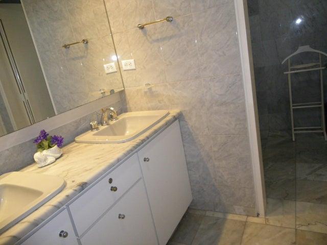 Apartamento Distrito Metropolitano>Caracas>Altamira - Venta:320.674.000.000 Precio Referencial - codigo: 16-9019