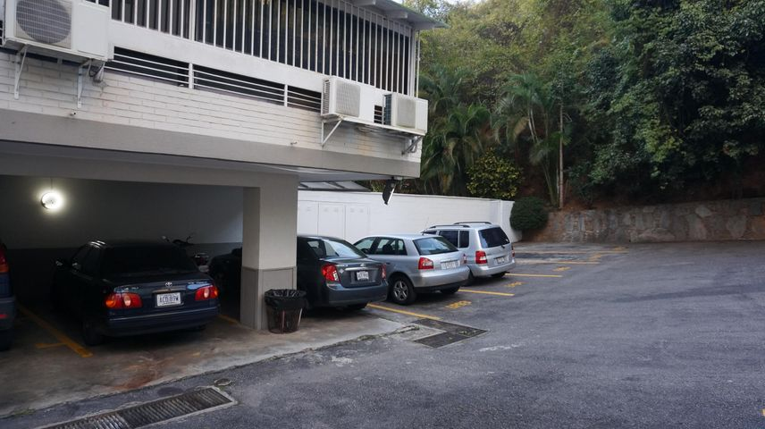 Apartamento Distrito Metropolitano>Caracas>Santa Rosa de Lima - Venta:75.631.000.000 Precio Referencial - codigo: 16-9060