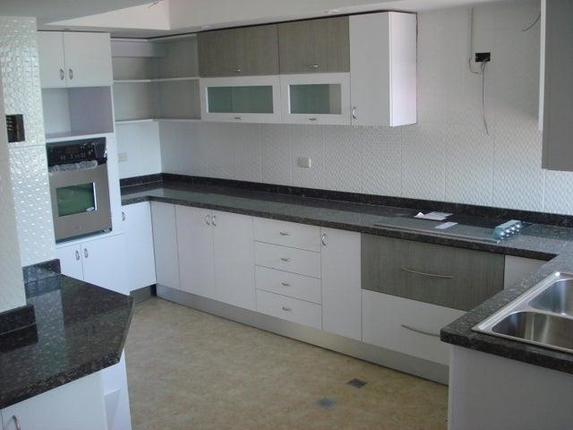 Apartamento Distrito Metropolitano>Caracas>Montalban III - Alquiler:244.000.000 Precio Referencial - codigo: 16-9129