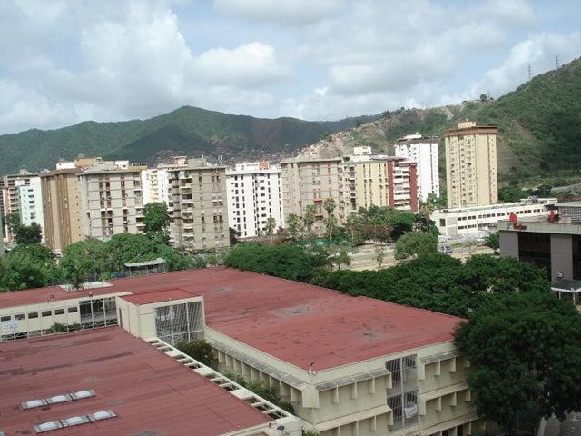 Apartamento Distrito Metropolitano>Caracas>Montalban III - Alquiler:92.000.000 Bolivares Fuertes - codigo: 16-9129