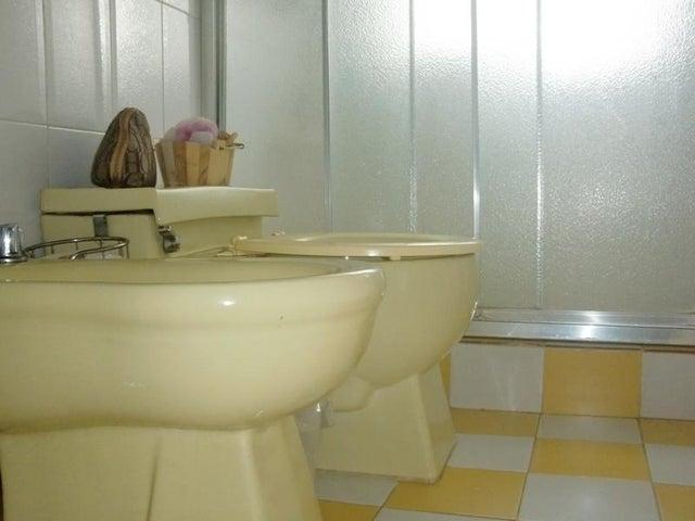 Casa Distrito Metropolitano>Caracas>Lomas de Prados del Este - Venta:157.564.000.000 Precio Referencial - codigo: 16-9150