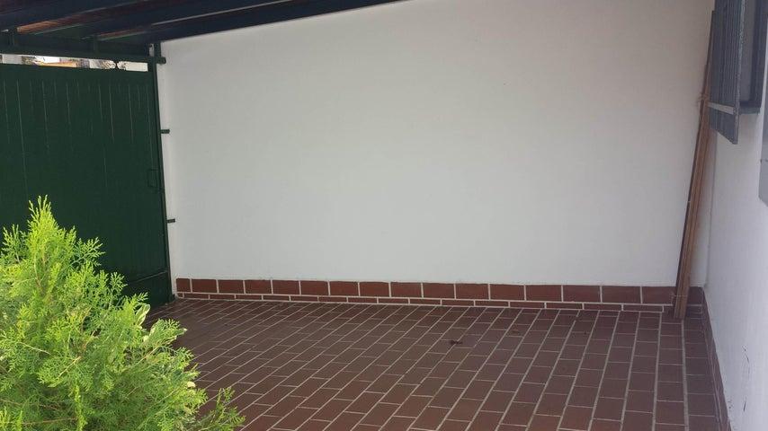 Casa Distrito Metropolitano>Caracas>Macaracuay - Venta:70.501.000.000 Bolivares - codigo: 16-9185