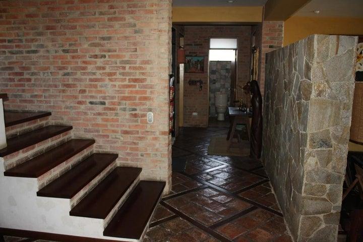 Apartamento Distrito Metropolitano>Caracas>Miranda - Venta:323.685.000.000 Precio Referencial - codigo: 16-9186