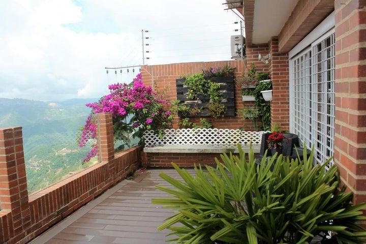 Townhouse Distrito Metropolitano>Caracas>Loma Linda - Venta:50.768.000.000 Bolivares - codigo: 16-9187