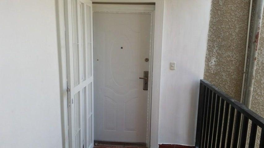 Apartamento Falcon>Punto Fijo>Las Virtudes - Venta:18.000.000  - codigo: 16-9225