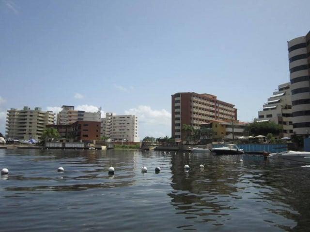 Apartamento Miranda>Higuerote>Puerto Encantado - Venta:70.348.000.000 Precio Referencial - codigo: 16-9237