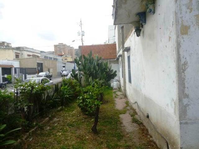 Casa Distrito Metropolitano>Caracas>San Martin - Venta:31.582.000.000 Bolivares - codigo: 16-9281