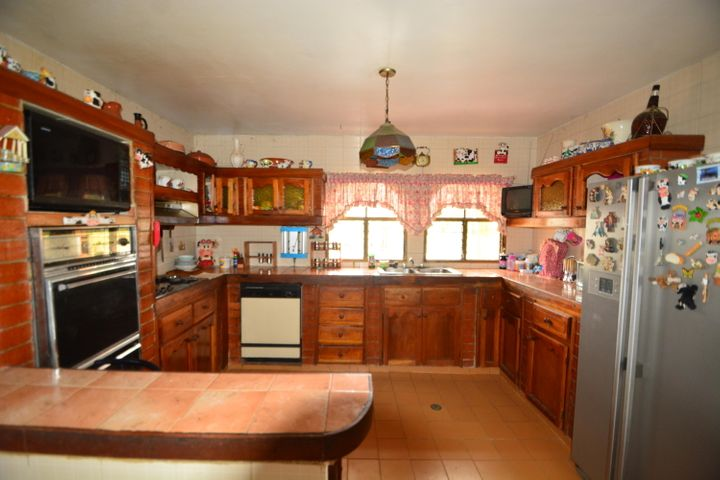 Casa Lara>Cabudare>El Paraiso - Venta:25.000 Precio Referencial - codigo: 16-10161