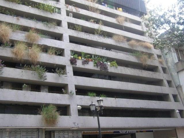 Local Comercial Distrito Metropolitano>Caracas>Parroquia Catedral - Venta:24.148.000.000 Precio Referencial - codigo: 16-9503