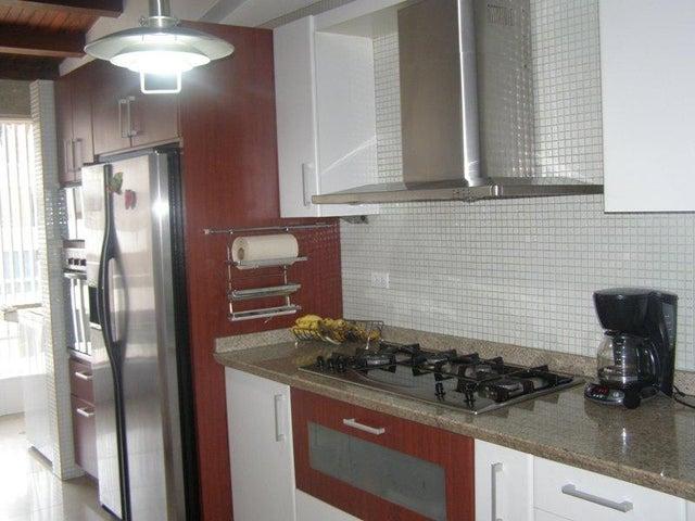 Apartamento Distrito Metropolitano>Caracas>Santa Ines - Venta:302.842.000.000 Precio Referencial - codigo: 16-9502