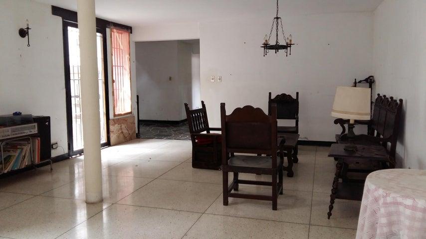Casa Distrito Metropolitano>Caracas>Prados del Este - Venta:103.823.000.000 Precio Referencial - codigo: 16-9350