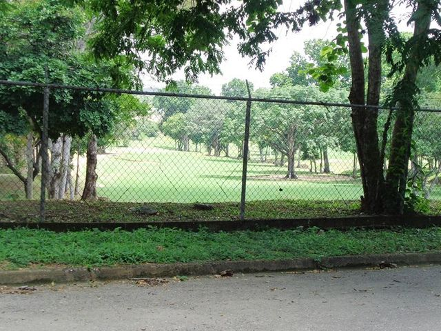 Terreno Carabobo>Valencia>Guataparo Country Club - Venta:46.545.000.000 Bolivares - codigo: 16-9362