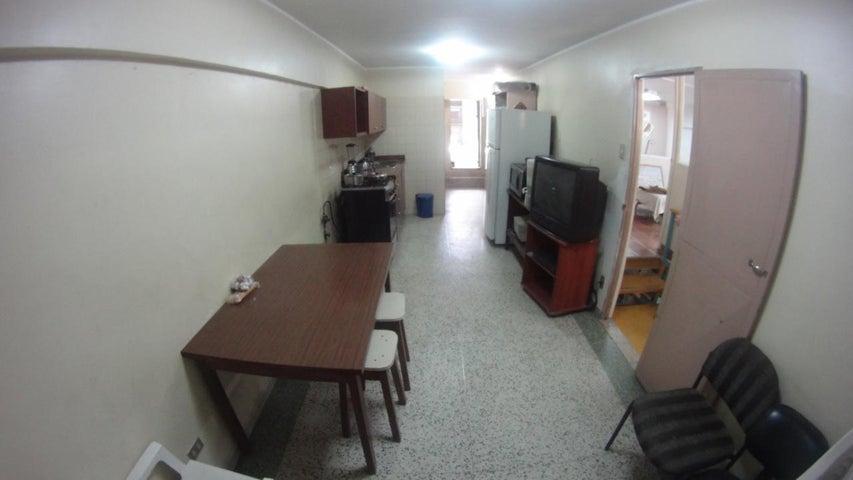 Local Comercial Distrito Metropolitano>Caracas>Parroquia Santa Teresa - Venta:366.435.000.000 Precio Referencial - codigo: 16-9363