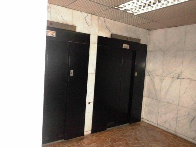 Apartamento Distrito Metropolitano>Caracas>Bello Campo - Venta:41.932.000.000 Precio Referencial - codigo: 16-9370