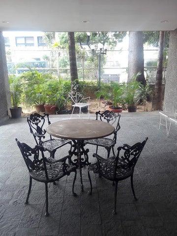 Apartamento Distrito Metropolitano>Caracas>La Florida - Venta:9.053.000.000 Bolivares Fuertes - codigo: 16-9371