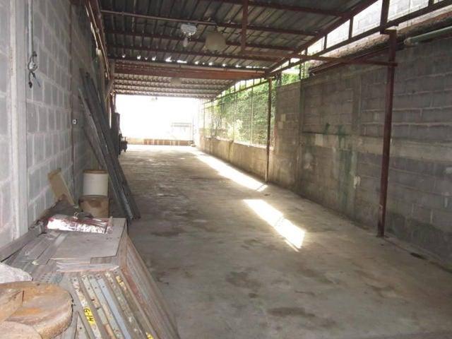 Galpon - Deposito Miranda>Guarenas>Sector Industrial Cloris - Venta:1.832.177.000.000 Precio Referencial - codigo: 16-9397