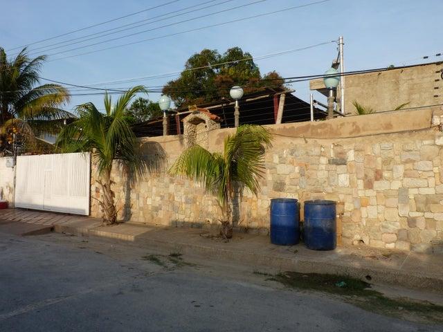 Casa Aragua>Ocumare de la Costa>El Playon - Venta:139.773.000.000 Precio Referencial - codigo: 16-9464