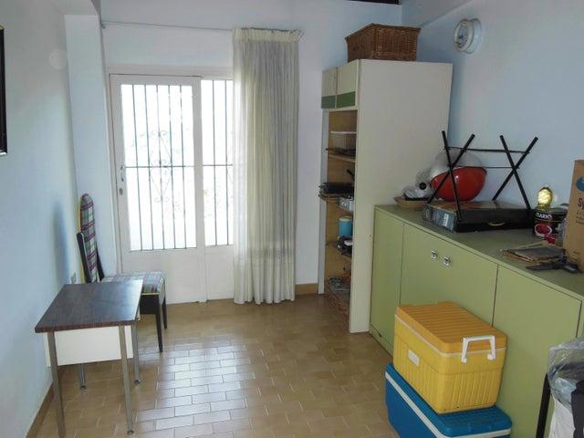 Casa Distrito Metropolitano>Caracas>Los Naranjos del Cafetal - Venta:295.000 Precio Referencial - codigo: 16-9481
