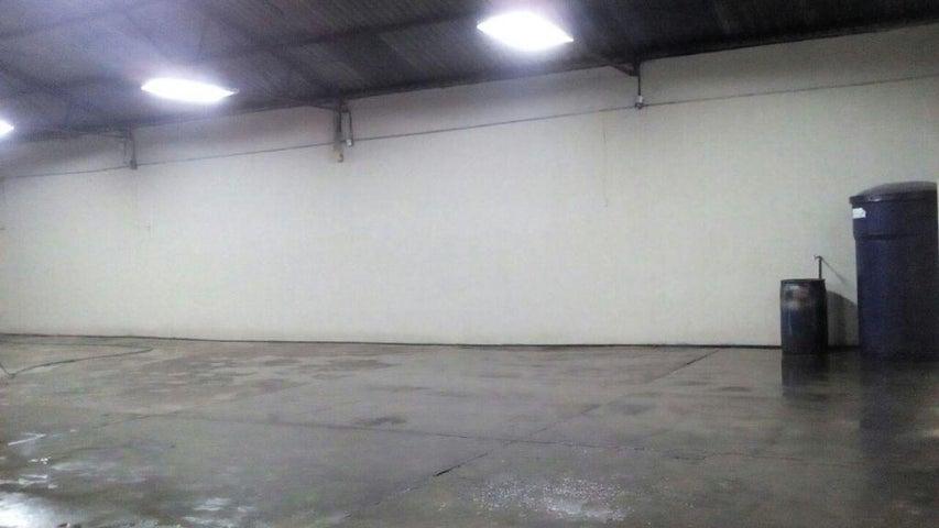 Galpon - Deposito Zulia>Maracaibo>Avenida Bella Vista - Venta:16.116.000.000 Bolivares Fuertes - codigo: 16-7925