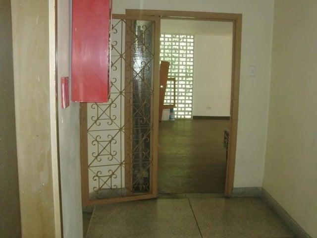 Apartamento Distrito Metropolitano>Caracas>Las Palmas - Venta:10.575.000.000 Bolivares Fuertes - codigo: 16-9602