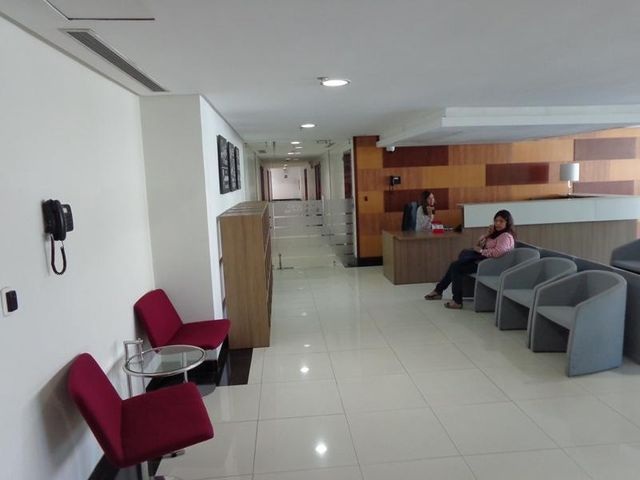 Consultorio Medico  Carabobo>Municipio Naguanagua>La Granja - Venta:19.065.000.000 Precio Referencial - codigo: 16-9803
