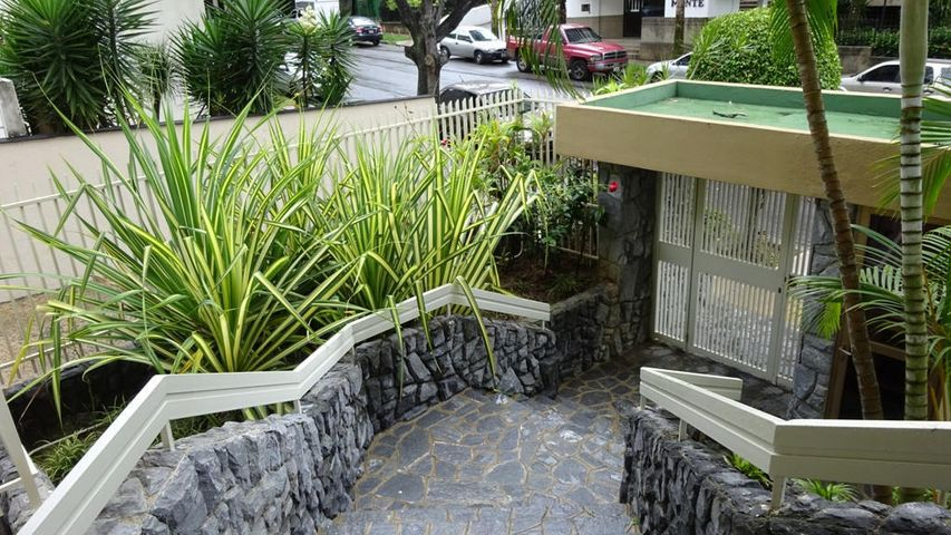 Apartamento Distrito Metropolitano>Caracas>Terrazas del Avila - Venta:44.894.000.000 Precio Referencial - codigo: 16-9930