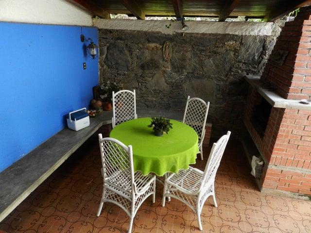 Casa Distrito Metropolitano>Caracas>Lomas de La Trinidad - Venta:152.681.000.000 Precio Referencial - codigo: 16-9772