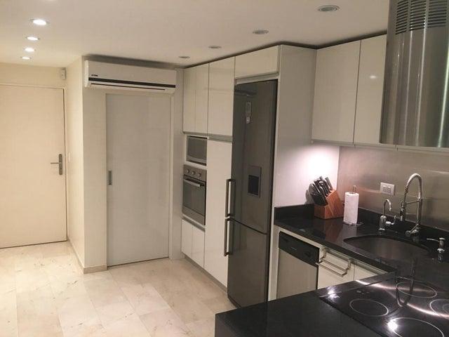 Apartamento Distrito Metropolitano>Caracas>Colinas de La Tahona - Venta:93.416.000.000 Precio Referencial - codigo: 16-8090