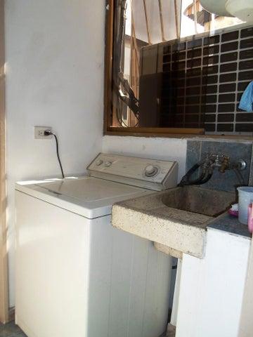 Apartamento Distrito Metropolitano>Caracas>El Marques - Venta:51.341.000.000 Precio Referencial - codigo: 16-9818