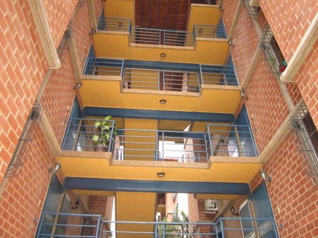 Apartamento Miranda>Guarenas>Nueva Casarapa - Venta:13.310.000.000 Bolivares Fuertes - codigo: 16-9838