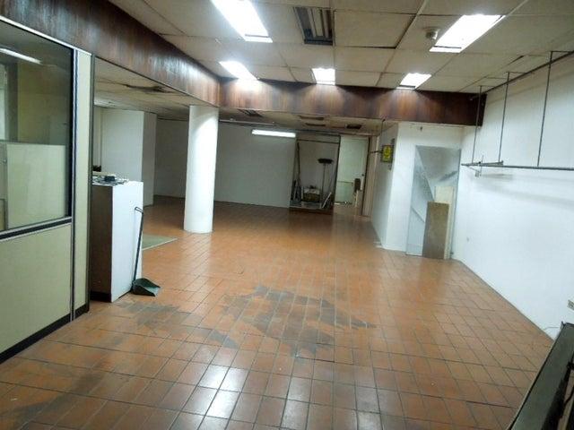 Local Comercial Distrito Metropolitano>Caracas>Centro - Venta:58.652.000.000 Bolivares - codigo: 16-9865