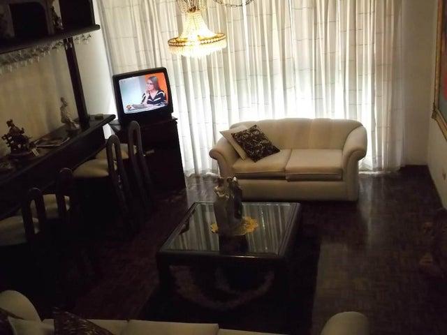 Townhouse Distrito Metropolitano>Caracas>La Union - Venta:75.235.000.000 Precio Referencial - codigo: 16-9919